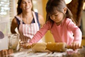 kids help cook
