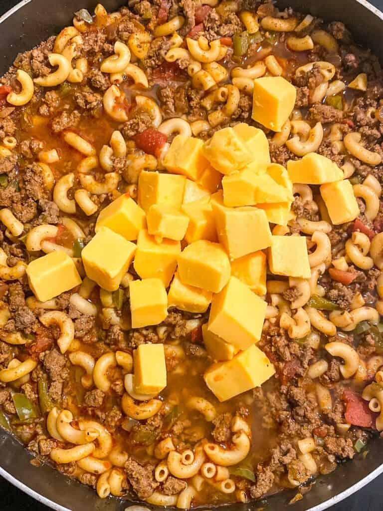adding velveeta to ground beef for chili mac and cheese